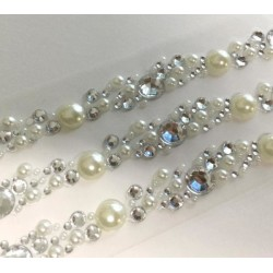 Siena Pearl & Crystal Cluster Self Ashesive Embellishment